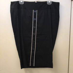 Torrid Black & White Retro Pencil Skirt w/buttons